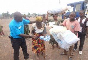 Uitdelen van Non-Food Items aan vluchtelingen